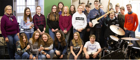Klasse 8b mit Musiklehrerin Susanne Krabbe